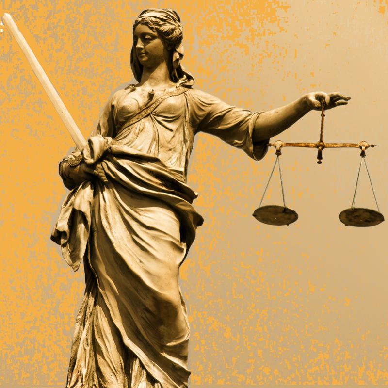 Evangelio Gamero Abogados - Estatua